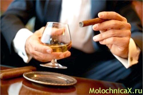 Зловживання алкоголем - один з факторів ризику для виникнення захворювання!