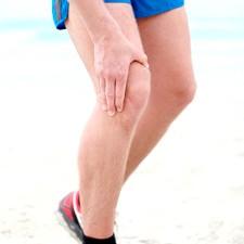 Хрускіт в колінному суглобі
