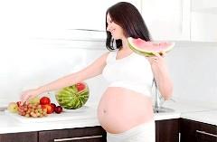 Чи потрібно пити вітаміни під час вагітності?