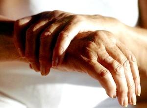Запаленою суглобів на пальцях рук