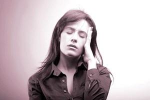 Головний біль может буті віклікана чім завгодно - даже підвіщенім лещатах
