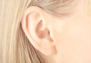 Звідки беруться болю у вухах і як їх лікувати?