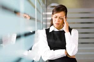 Біль в Голові такоже один Із сімптомів захворювання