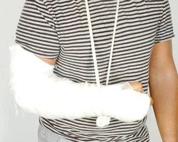 Переломи і зрощення кісток